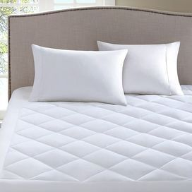 Featuring An Anti Bacterial Filling And Waterproof Laminate This Essential Mattress Pad Transforms Your B Mattress Waterproof Mattress Waterproof Mattress Pad