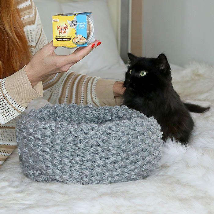 Easy Cat Bed Free Knitting Pattern | Knitting | Pinterest | Knitting ...