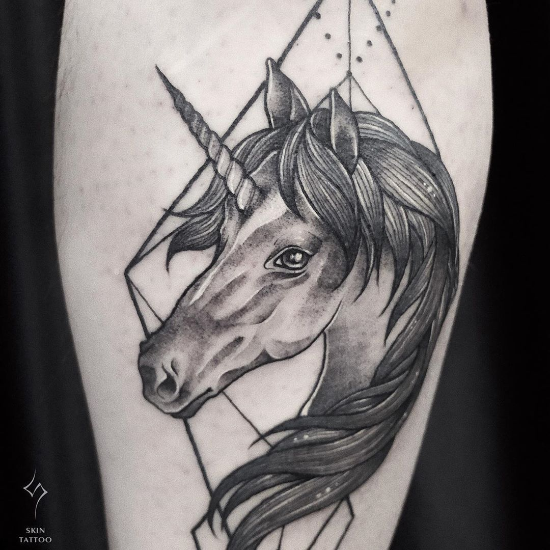 Epingle Sur Tatouage Licorne