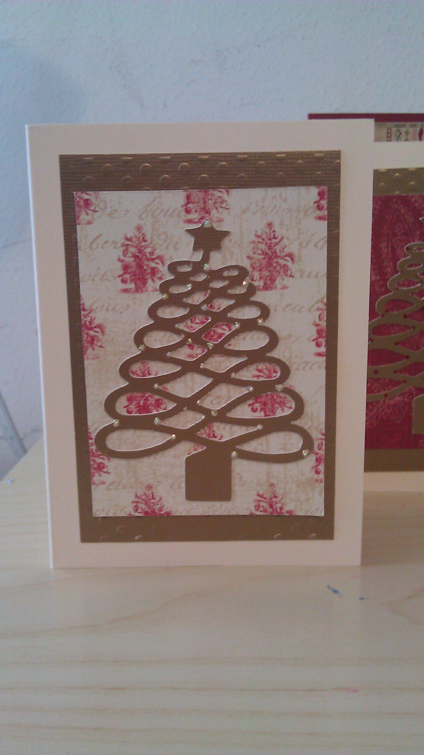 using Theresa Collins December 25th cricut cartridge