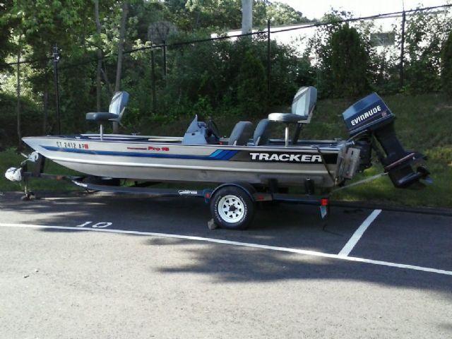 18 feet 1994 bass tracker bas tracker bass boat silver for Bass tracker fishing boats