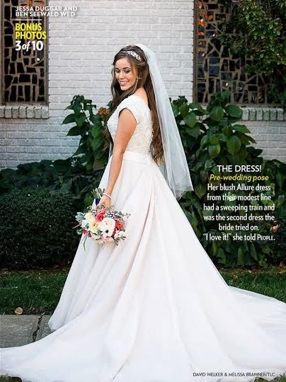 Blush Wedding Dress On Jessa Duggar In People Magazine Dress From Tesori Bridal Blushdre Short Sleeve Wedding Dress Pink Wedding Gowns Modest Bridal Dresses
