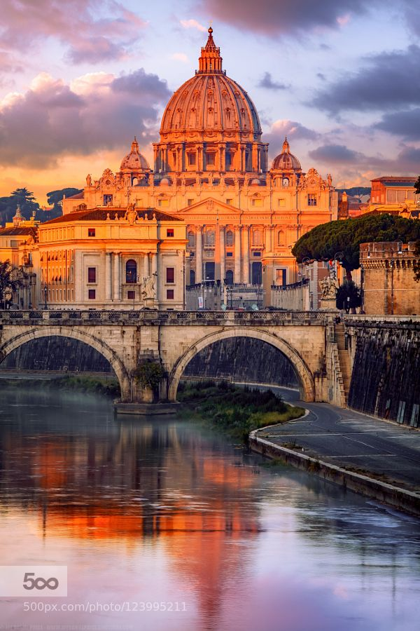 Sunrise St Peter's Basilica Vatican Ponte Sant'Angelo Roma