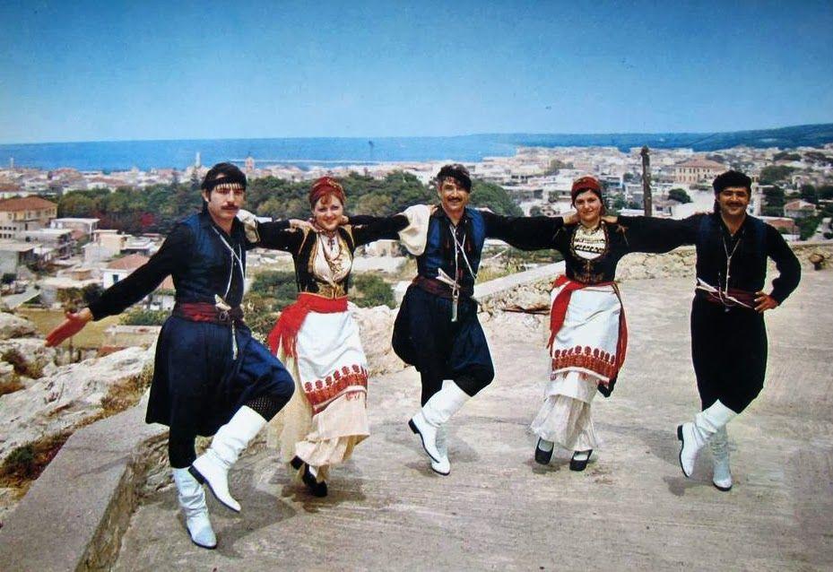 Αποτέλεσμα εικόνας για κρητικοί χοροί