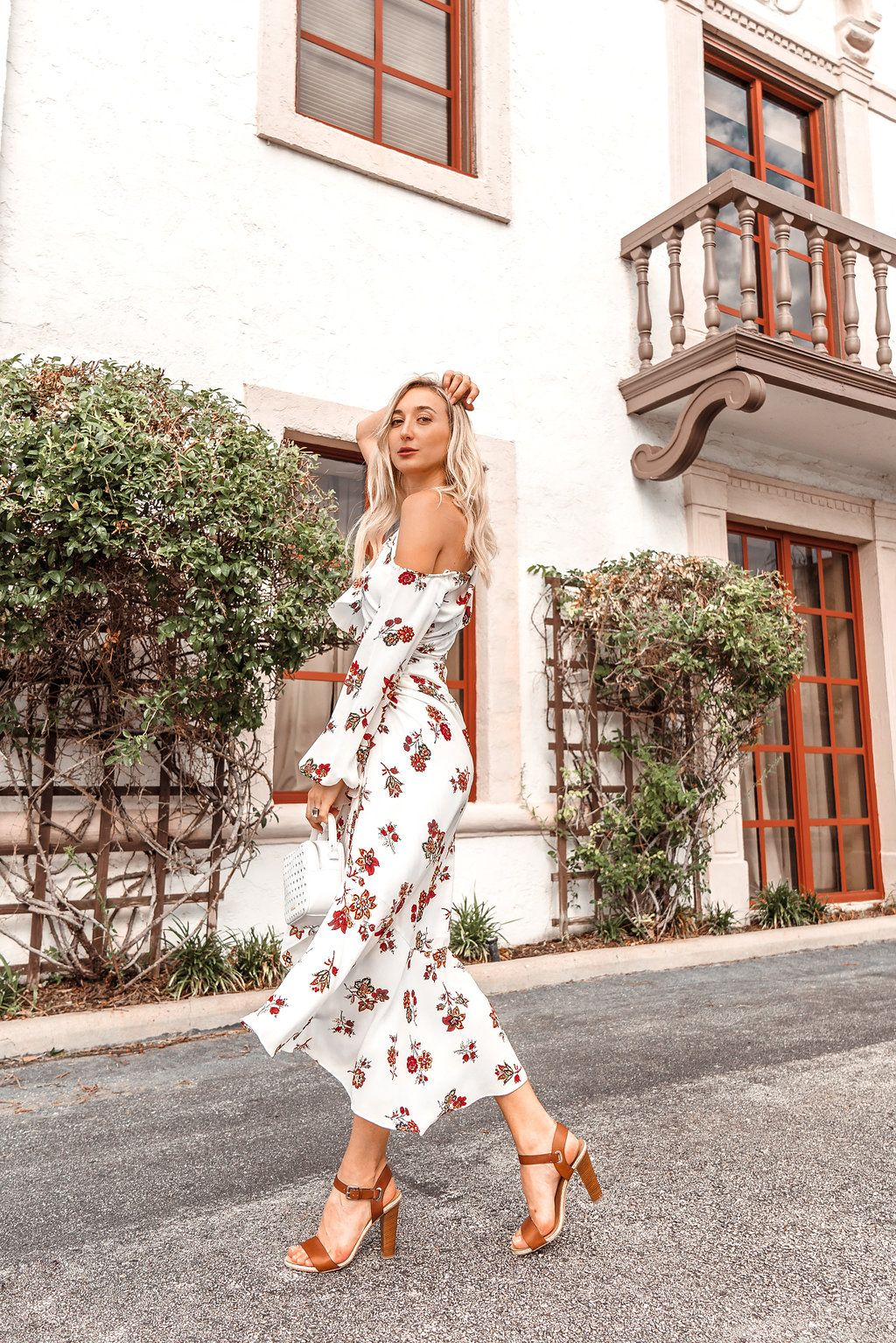 Show Stopping Floral Midi Dress Living In The Present Chiara Summer Fashion Outfits Fashion Dresses [ 1535 x 1024 Pixel ]