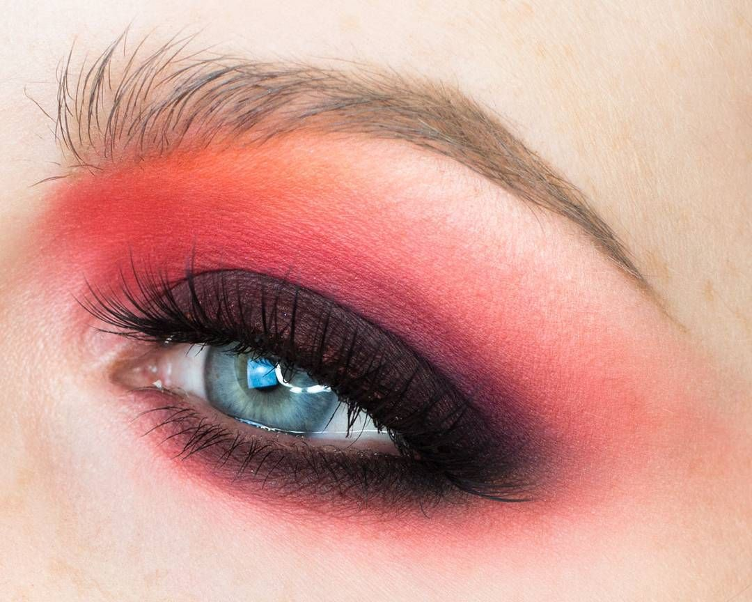 Best makeup tips to make blue eyes pop with images