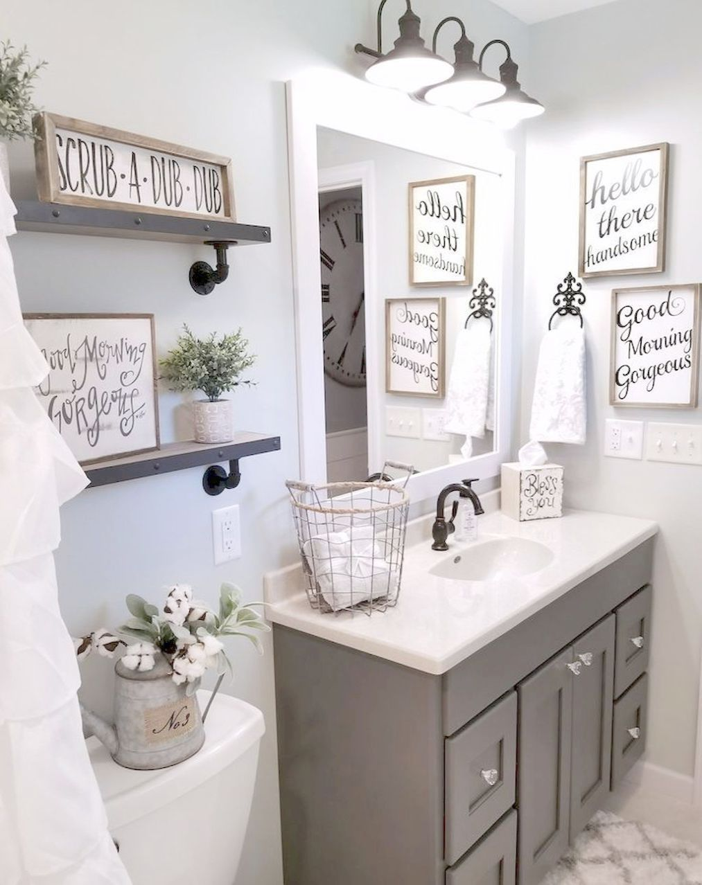 Small Bathroom With Large Shower Many Bathroom Ideas Red And Black In 2020 Small Bathroom Decor Bathroom Decor Farmhouse Bathroom Decor