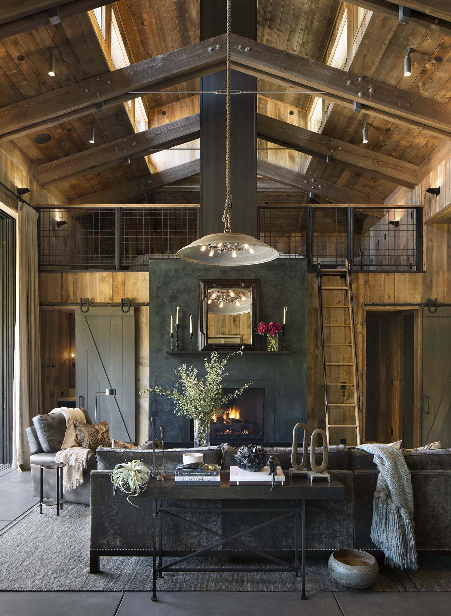 Small Woodsy Cabin Features A Cozy Farmhouse Style In Napa Valley