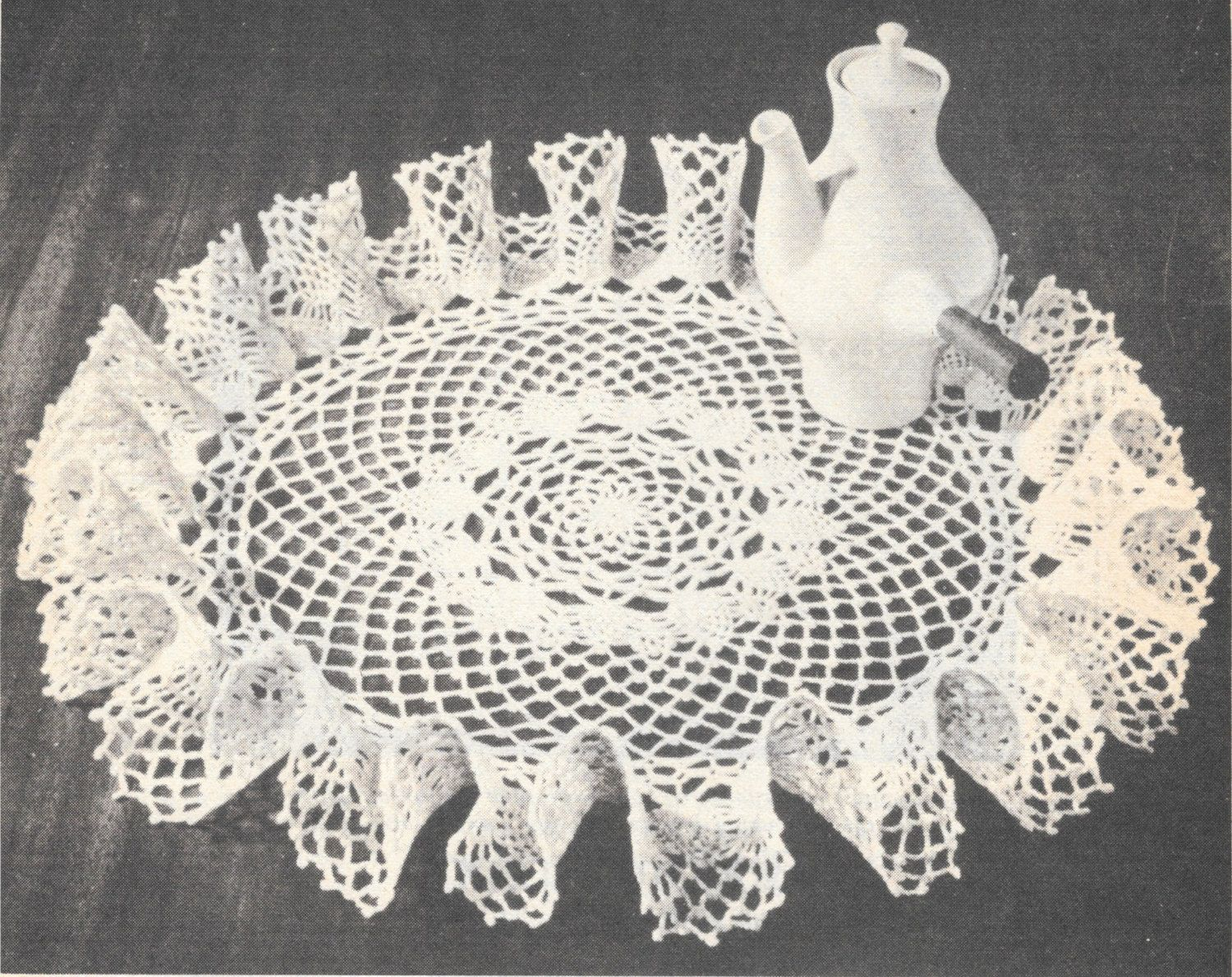 Small and Large pineapple ruffle doily pattern by ...