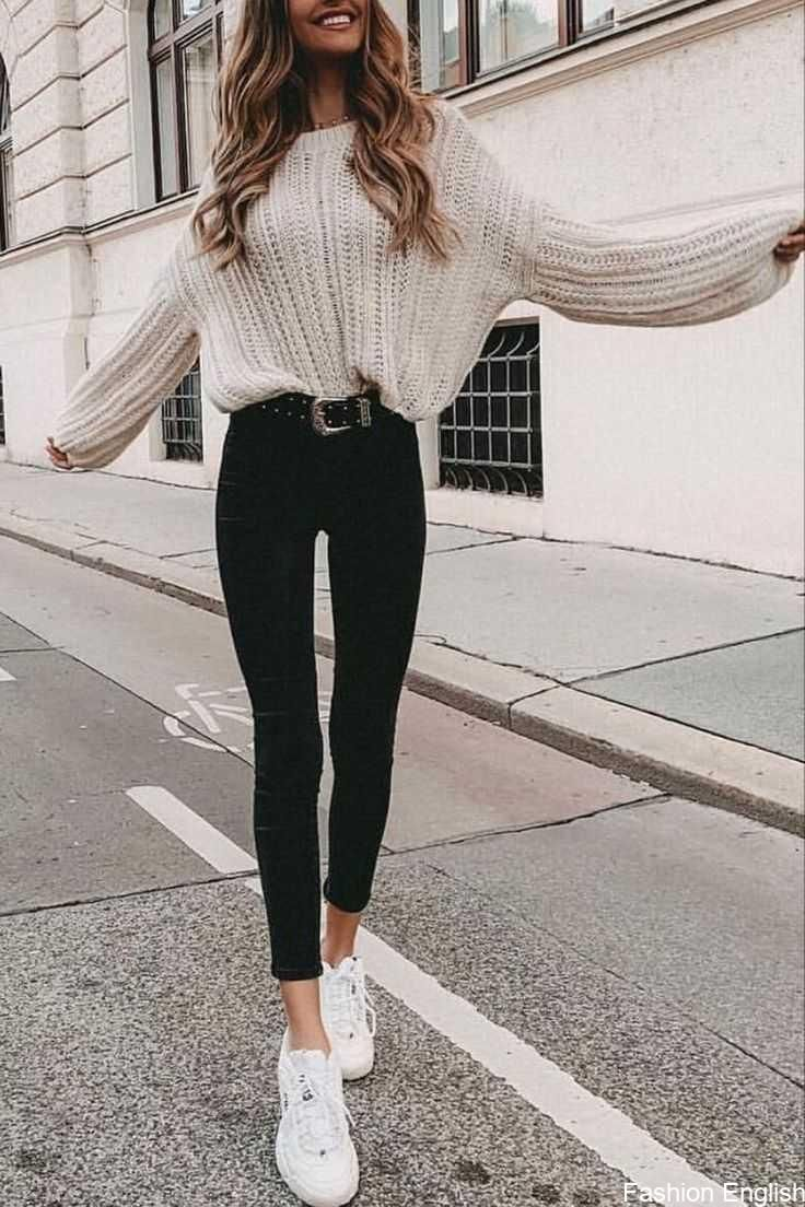 32 Charming Fall Street Style Outfits Inspiration to Make You Look Cool this Season - #charming #cool #fall #inspiration #outfits #season #Street #Style brands best brands of 2020 low key brands cold laundry macho moda 90z back streetwear brands you need to know about agora streetwear coming up t