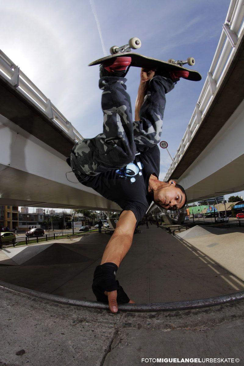Invert - Jimmy - Foto: Miguel Angel López Virgen Urbeskate - Skateboard Mexico
