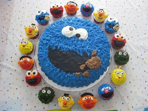 Great Idea For A Sesame Street Birthday Cake Yummy This Does Look Delicious
