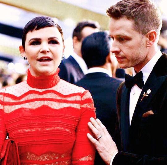 Ginnifer Goodwin and Josh Dallas  at the at the 89th Academy Awards.