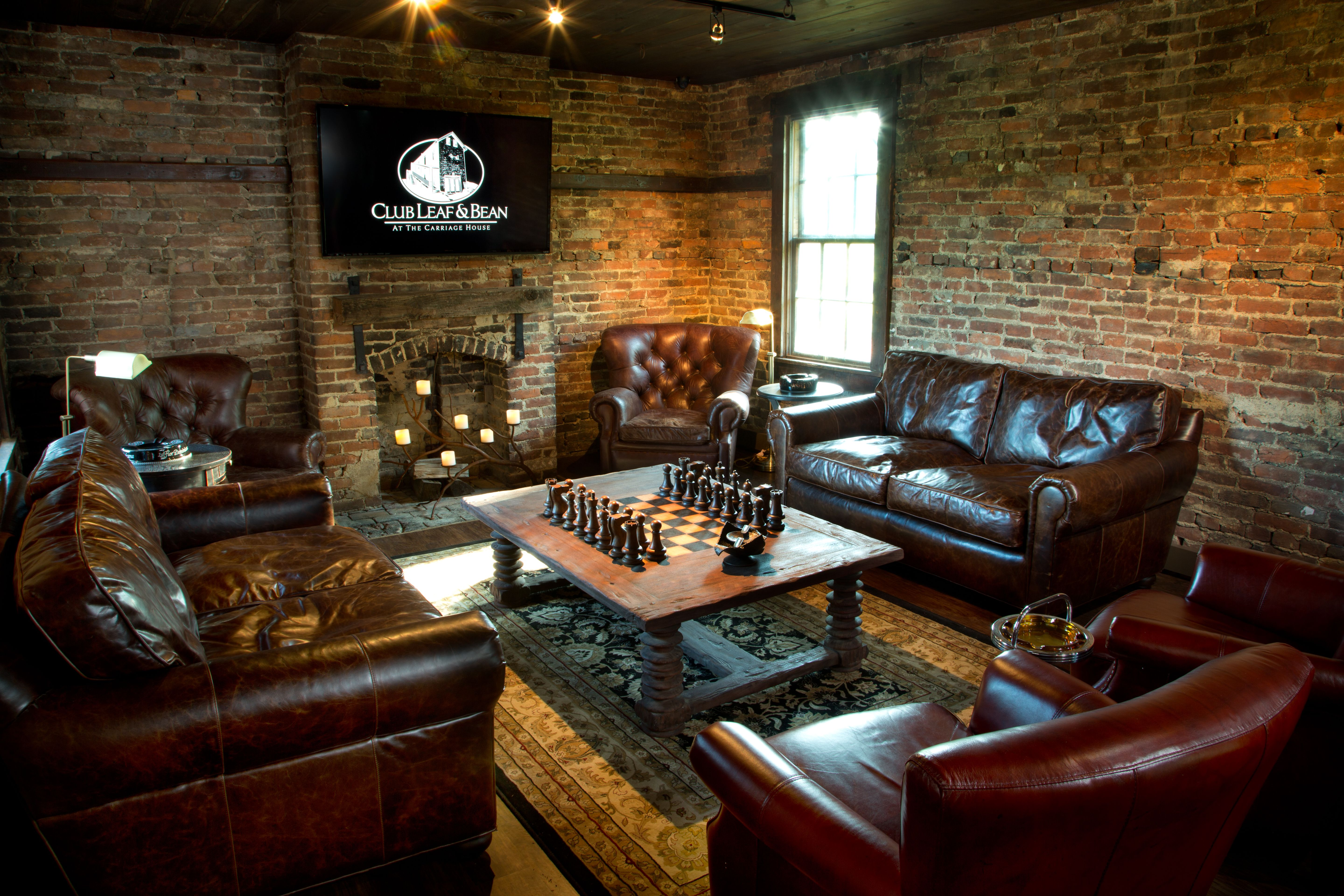 Best 25 cigar lounge man cave ideas on pinterest cigar for Decor lounge