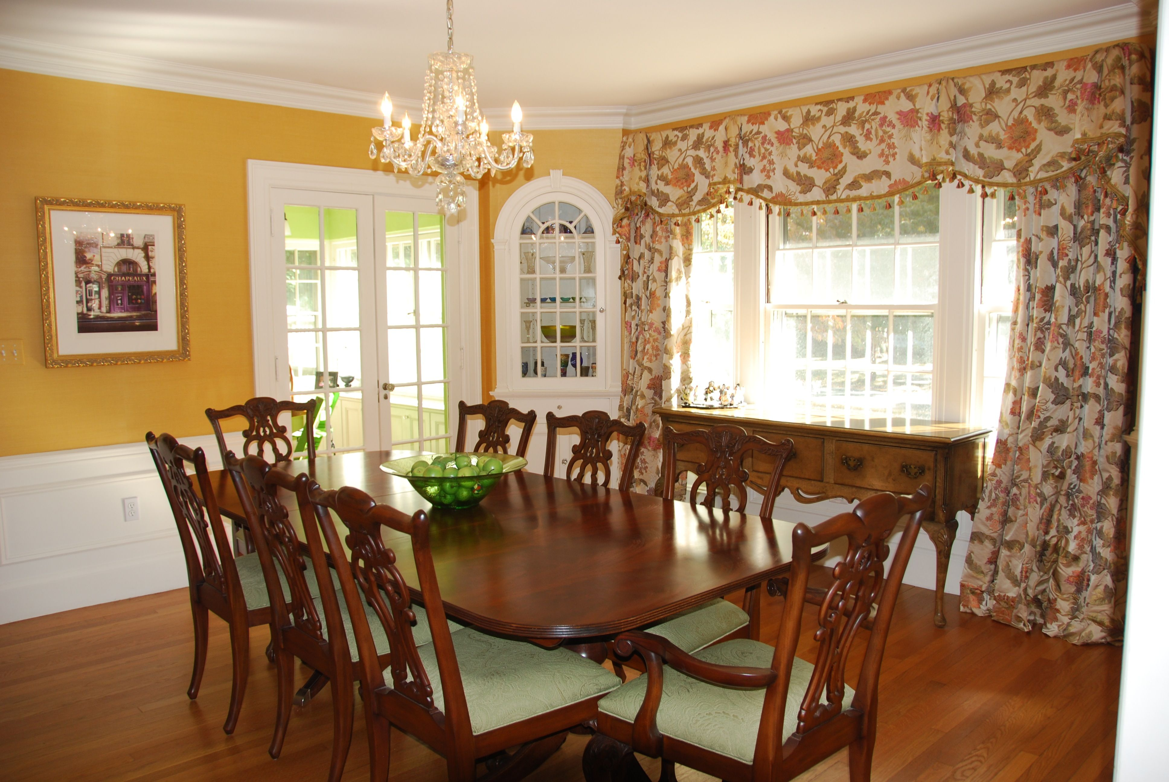 Formal Dining love the table and chairs!