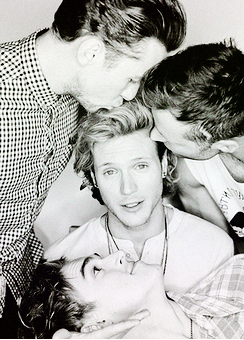 (Photoshoot by Tom Leishman) um stop? Mcfly band, Dougie