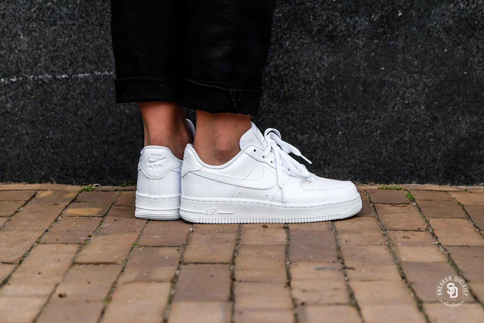 new arrivals 0abf2 cbdde Nike Women s Air Force 1  07 ESS White White ...