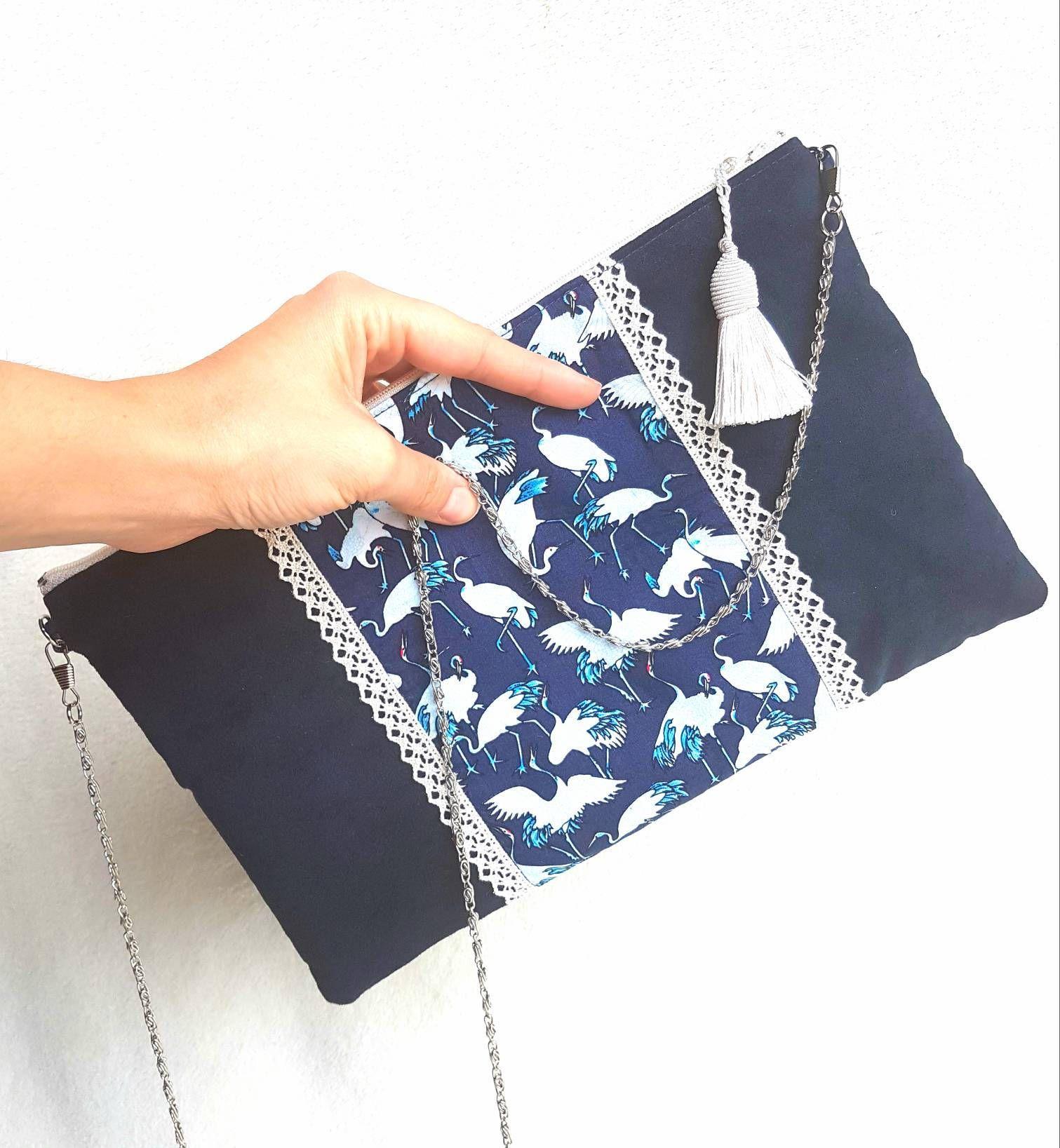 pochette grue avec chainette faite main en su dine bleu. Black Bedroom Furniture Sets. Home Design Ideas