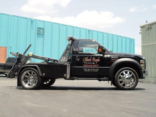 Niceeee Trucks Flatbed Towing Tow Truck