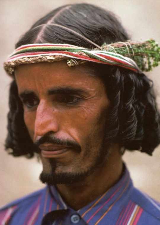 Habala [flower] man from Asir (province of Saudi Arabia)