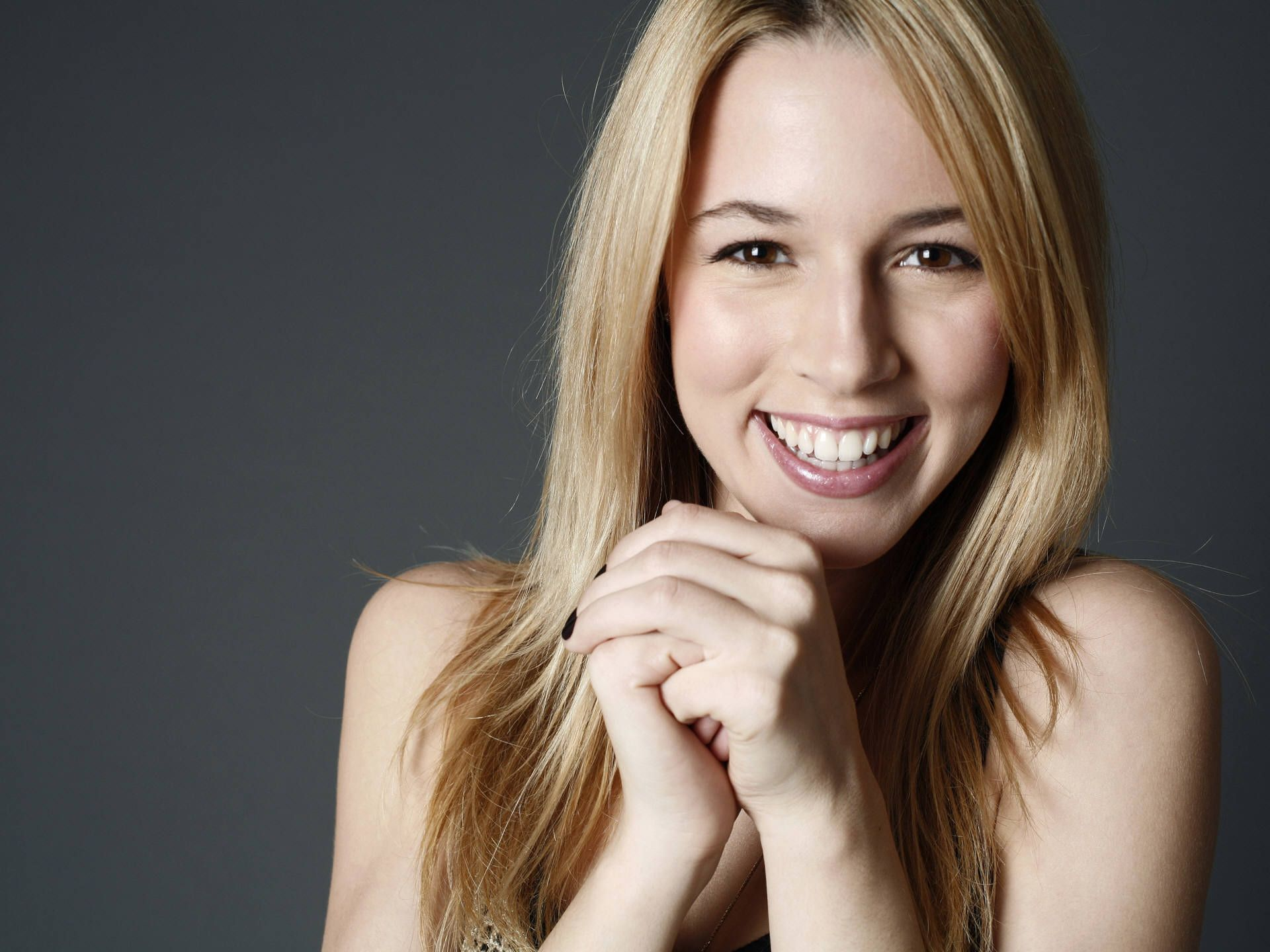 alona tal justice league