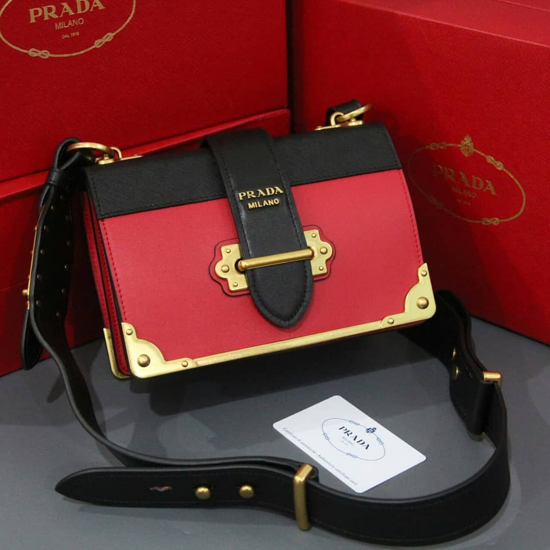 20bc58d0d163 PO!! PO!! . . PRADA MIRROR QUALITY 1 1 ORIGINAL LEATHER . . . WITH DP YA Yg  di handcarry yg trf DP duluan y . . Fast Respon Wechat   ElysJbier .