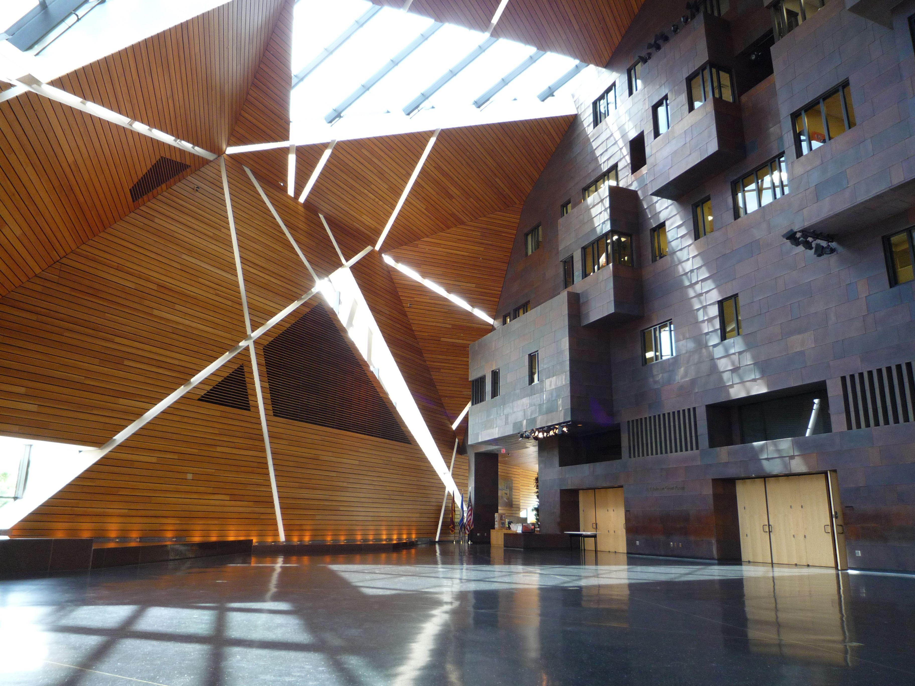lacoste shoes zaha hadid design museum gent openingsuren