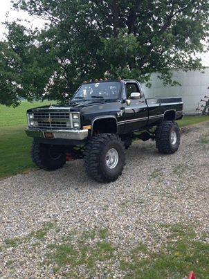 Old School Chevy Love Lifted Trucks Trucks Chevy Trucks