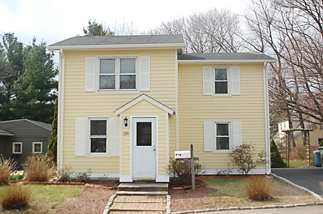 Best This Home In Milford Ct Was Remodeled With Woodland Cream 640 x 480
