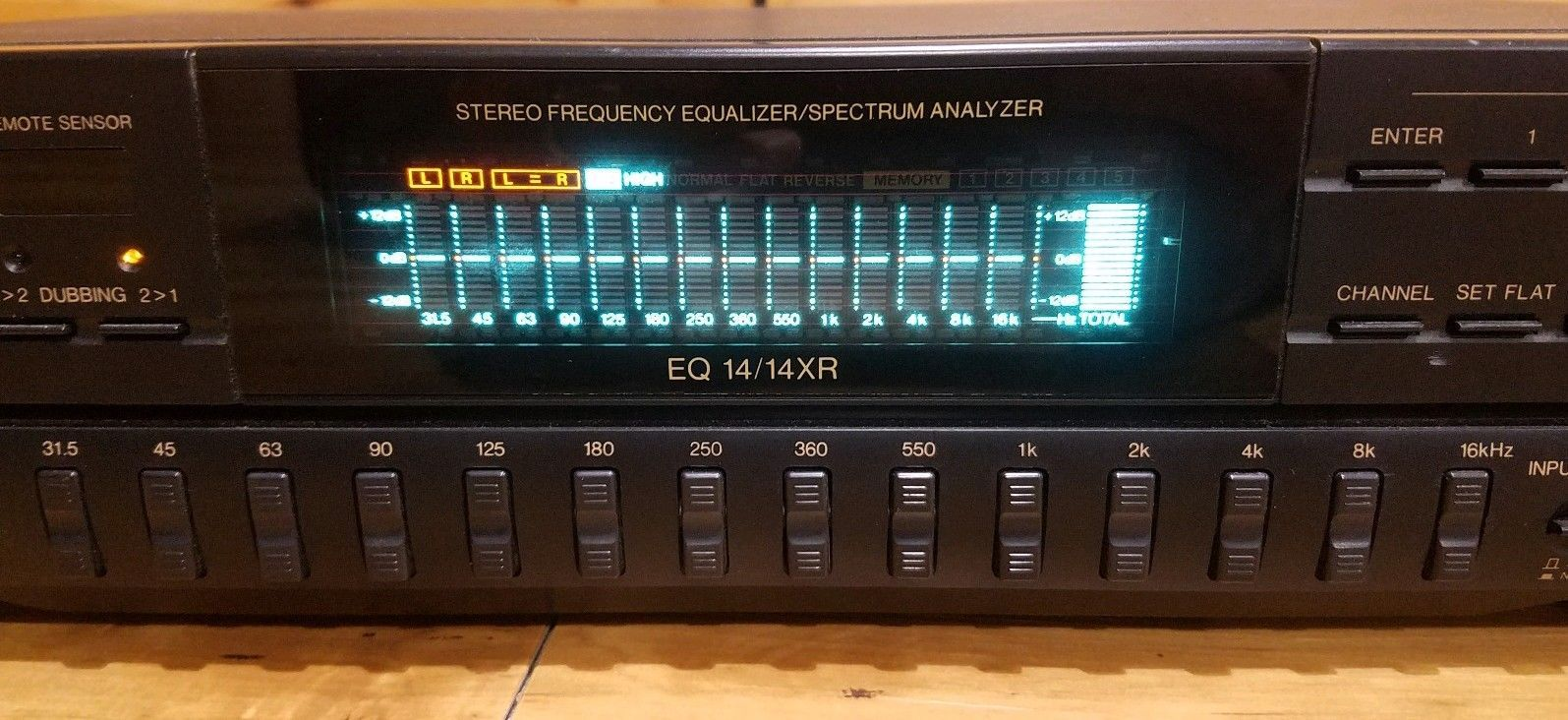 BSR EQ-14/14XR 14 Band Stereo Graphic Equalizer Spectrum