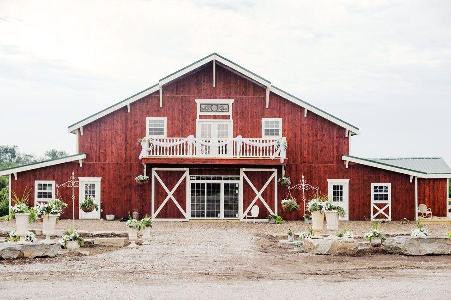 Iowa & Destination Wedding at Bessie's Barn in Centerville ...
