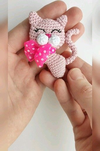 Photo of Cat with a bow brooch crochet pattern, crochet brooch, amigurumi brooch crochet tutorial