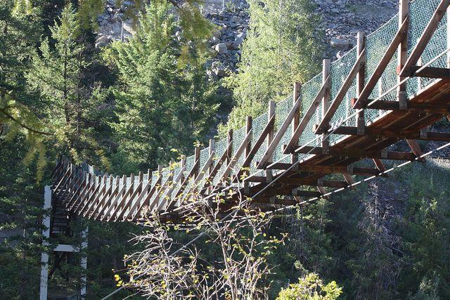 Swinging bridge in montana — pic 13