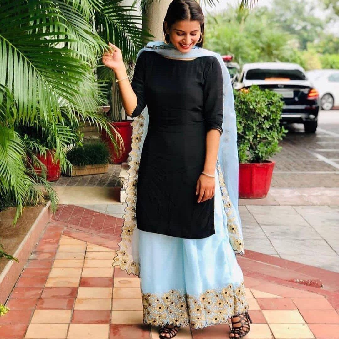 Pin by seema yadav on suit   Punjabi suits, Punjabi models ...