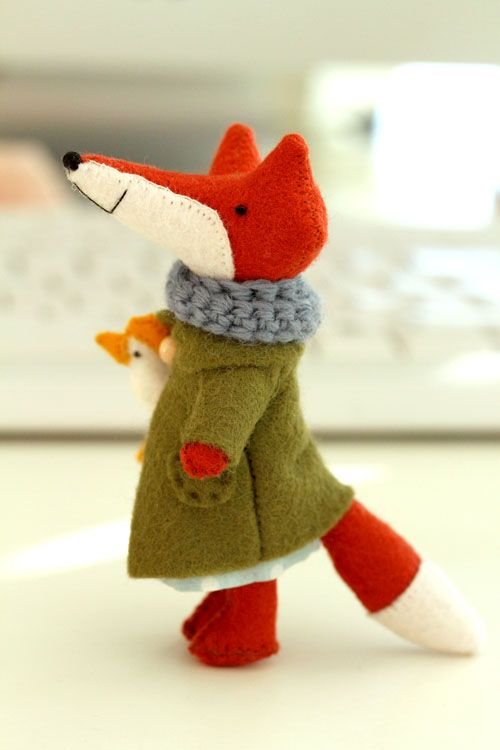 handmade felt fox  LOVE! Not needle felting but still more than worth of his place in this page!