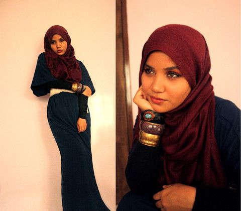 Great hijab style...nice dress and colors