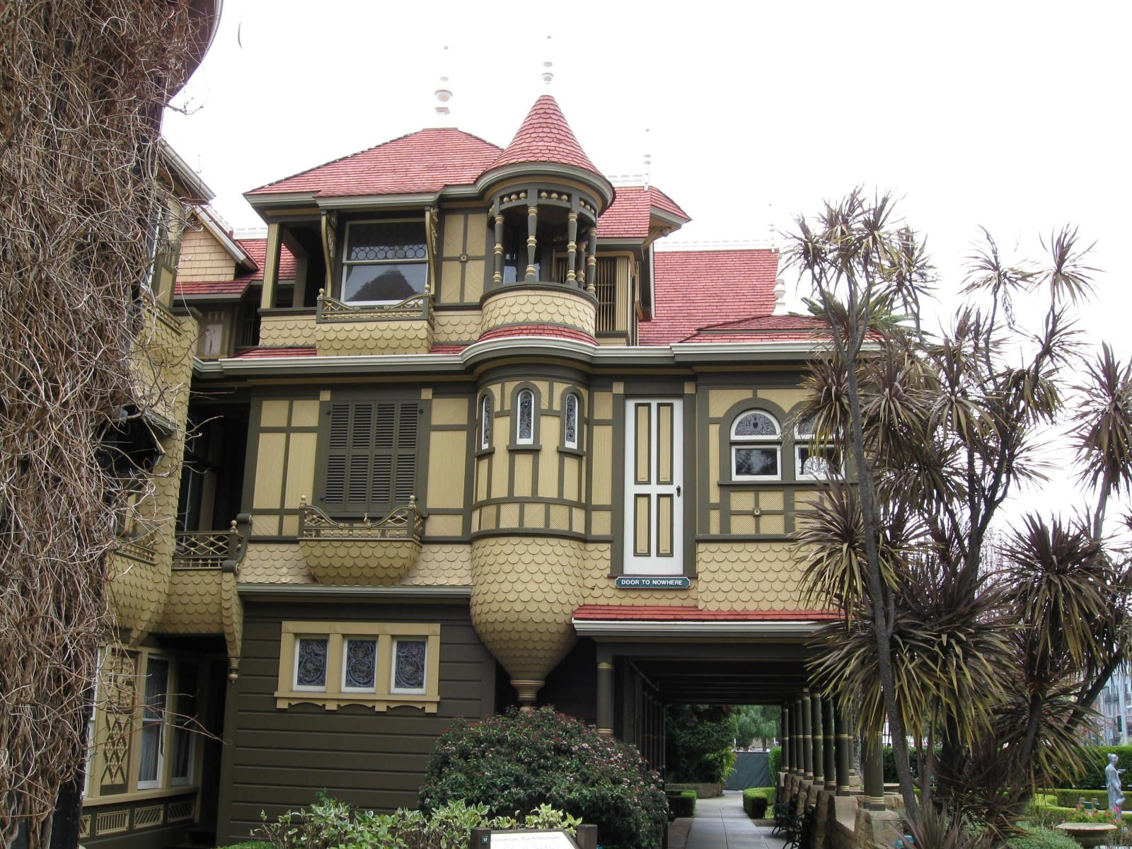 Winchester mystery house san jose california winchester mystery house victorian homes amazing