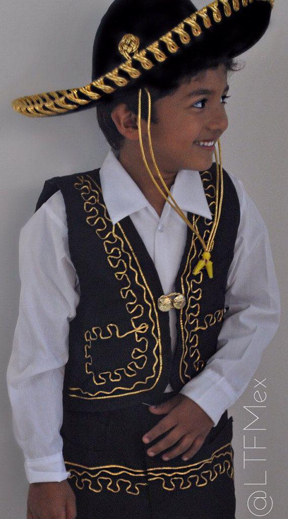 Boys Mariachi Attire   Traje de Charro Nino by LTFMEX on Etsy ... 490fb014202
