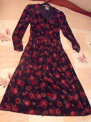 Beautiful Vintage Rare Roses on Navy Velvet LAURA ASHLEY Best Dress 12 | eBay