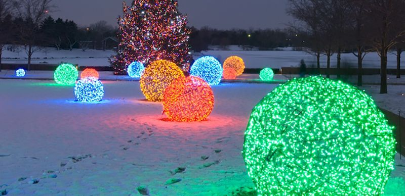 How To Make Lighted Christmas Balls My Honeys Place Christmas Decorations Diy Outdoor Outdoor Christmas Decorations Outdoor Christmas