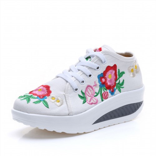 29.99$  Watch now - http://vicwp.justgood.pw/vig/item.php?t=xbd8963443 - Chinese Embroidery Shoes embroidered Canvas Shoes dancing shoes white