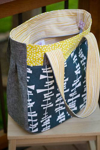 Super Tote! no tutorial but easy to do- like the sides with the pleat