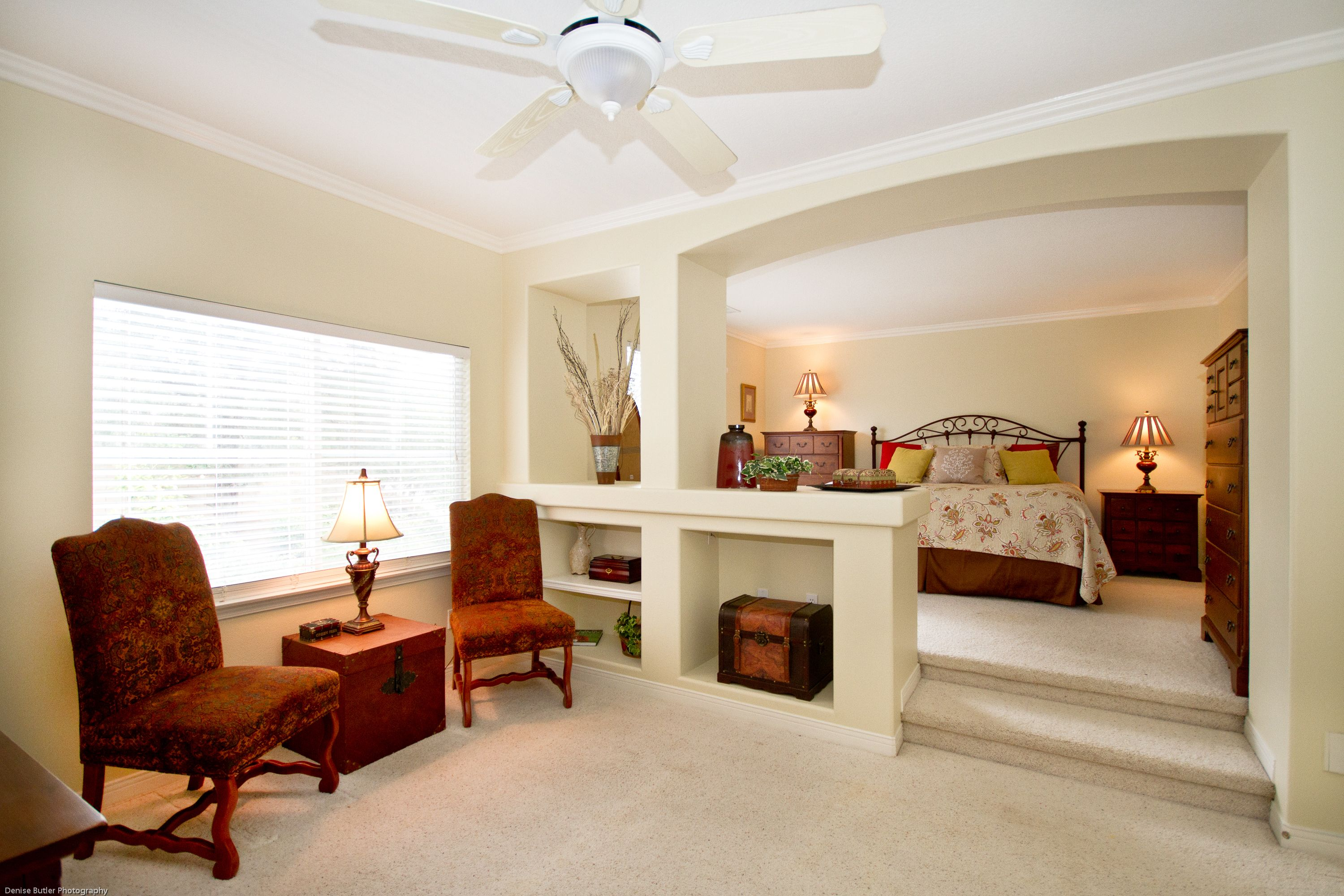 Large master bedroom with sitting area why this home for Sitting rooms