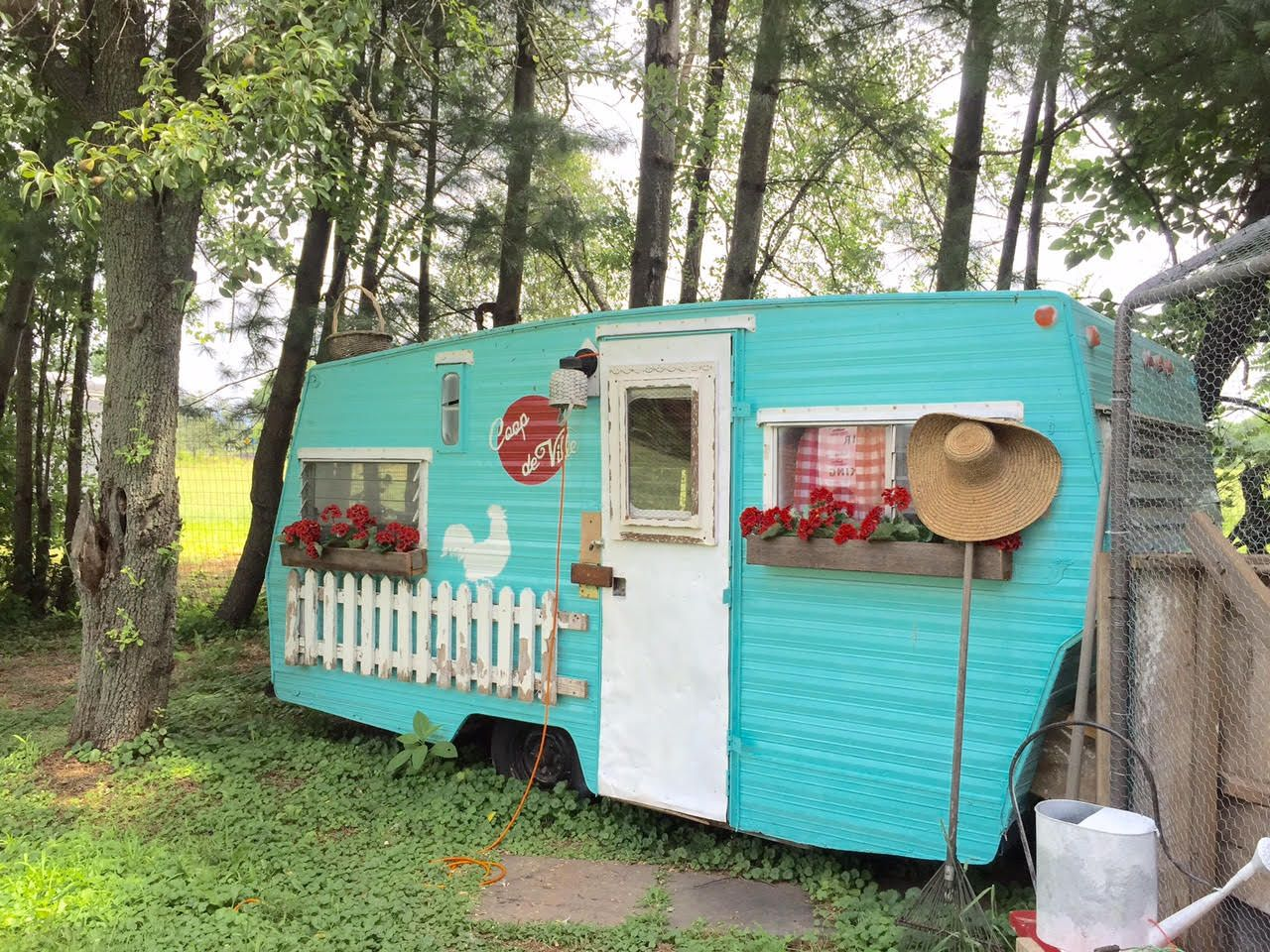 Best Painted Caravan Images On Pinterest Traveling DIY And - Old shabby trailer gets one hell makeover