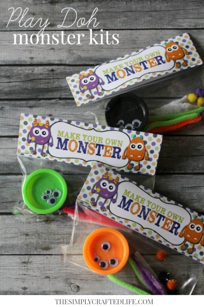Halloween Play-Doh Monster Kits w/ Free Printable #halloweentreatsforschool