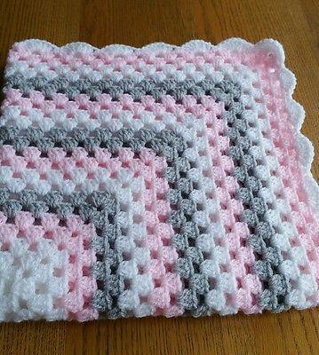 Photo of Handgemachte neue häkeln rosa grau & weiße Babydecke. –   #
