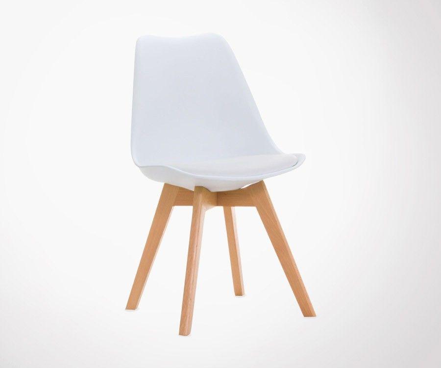 Chaise Design Bernice Avec Assise Rembourree Style Scandinave Qui S Inspire Des Dessins De Charles Eames Et Plus Part Chaise Pied Bois Chaise Scandinave Chaise