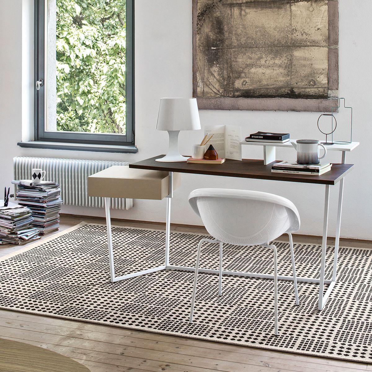 Tavolino Element Calligaris Prezzo.The Layers Desk Combines Colour And Shape For A Contemporary And