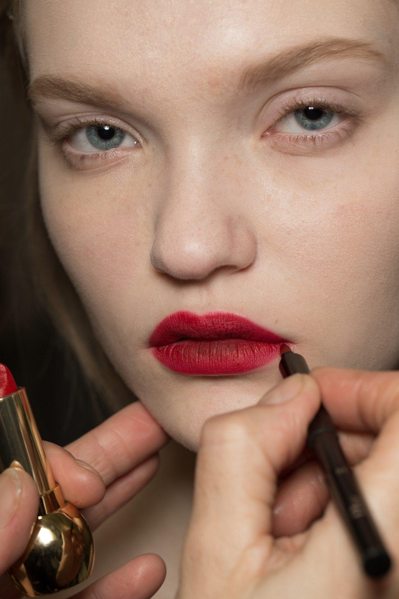 Futuristic Makeup eye and lip look #EyeMakeupDark