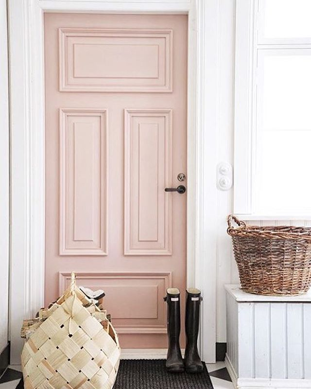 A little Wednesday morning #pinspiration ... off to paint my front door pink, hope Eric doesn't mind | #frontdoorgoals #obsessed
